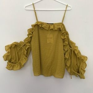 NWT Forever 21 Off the Shoulder Ruffle Blouse